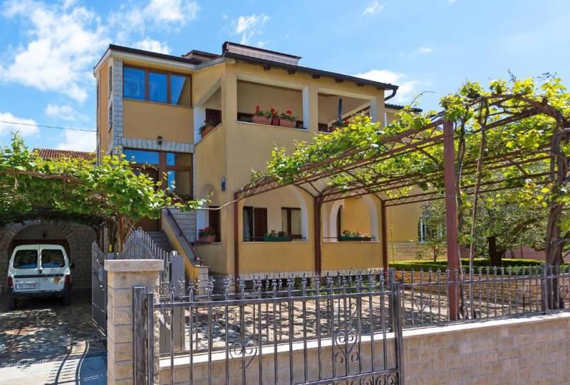 Apartment Korelic Green Garden