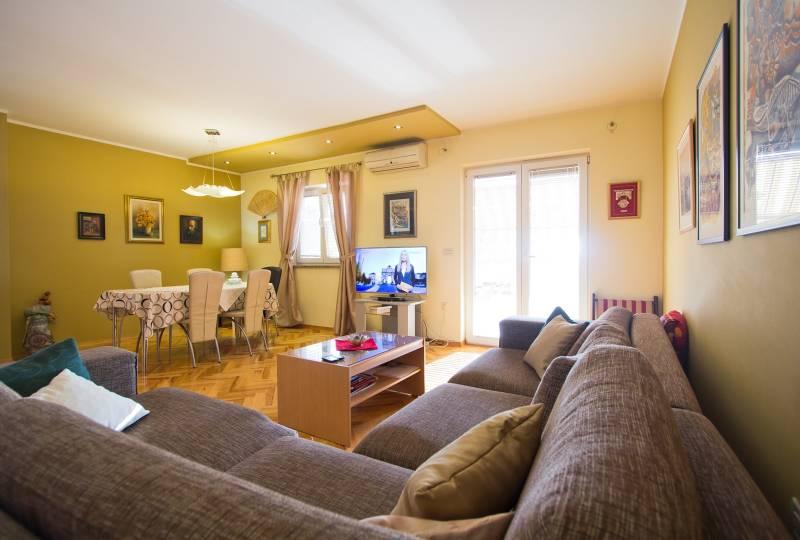 Apartment Fedora