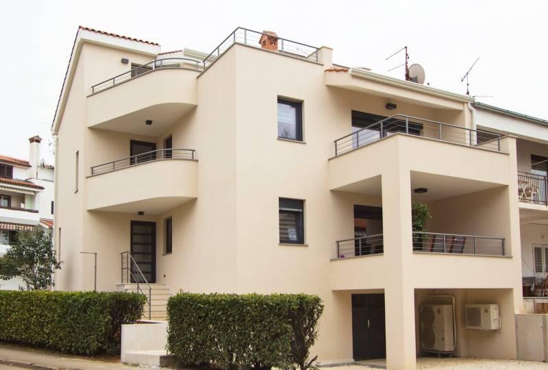 House Adria Apartment Pink